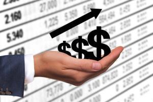 Na czym polegają piramidy finansowe?